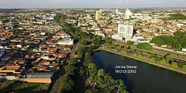 Leme-SP-Vista do Lago Municipal e da cidade-Foto:Jonas Drone