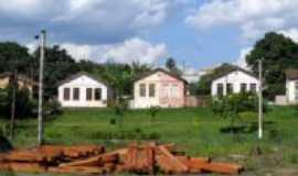 Limeira - casinhas perto da Linha de trem em Limeira, Por Moacir Magusteiro