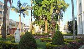 Lorena - Lorena-SP-Jardim da Igreja de São Benedito-Foto:leonir angelo lunard…