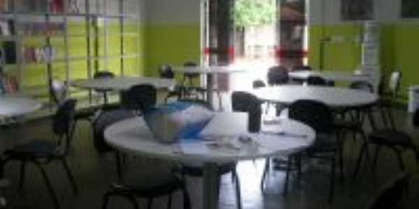 Sala de Leitura da Biblioteca, Por Rita de Castro Dias Ribeiro