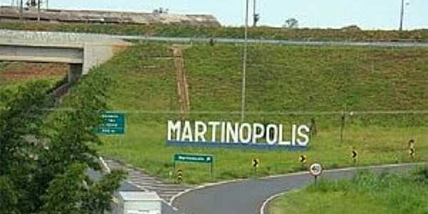 Martin�polis-SP-Trevo de acesso-Foto:www.dnoticias.com.br