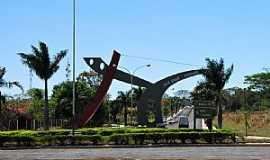 Mendonça - Mendonça-SP-Monumento no trevo de acesso-Foto:gustavo_asciutti