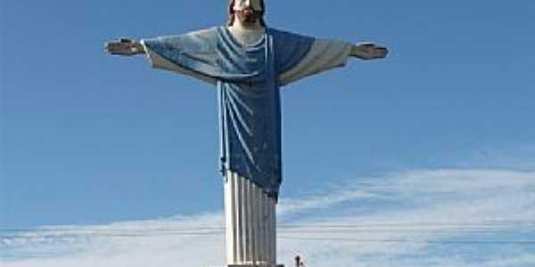 Mendonça-SP-Estátua do Cristo na entrada da cidade-Foto:arnaldojet