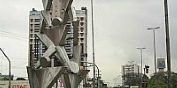 Mogi das Cruzes-SP-Monumento Pirâmide Humana na Praça Gebrail Sawaya-Foto:Daniel Souza Lima