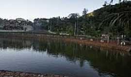 Monte Alegre do Sul - Lago em Monte Alegre do Sul-Foto:Ernandes C Santos