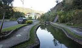 Monte Alegre do Sul - Córrego na cidade de Monte Alegre do Sul-Foto:Ernandes C Santos