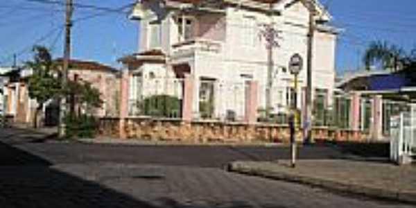 Mansão Centenária pertencente à família Rodrigues em Monte Alto-Foto:José Renato Biazotto