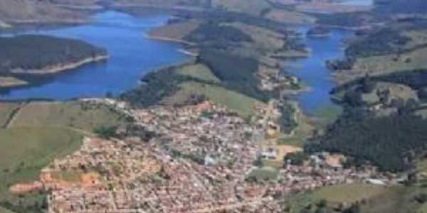 Vista aérea de Natividade da Serra, Por Gisele