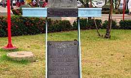 Nova Granada - Nova Granada-SP-Busto de Duque de Caxias em homenagem aos Expedicionários na Praça Manoel Alves dos Santos-Foto:Ricardo Mercadante