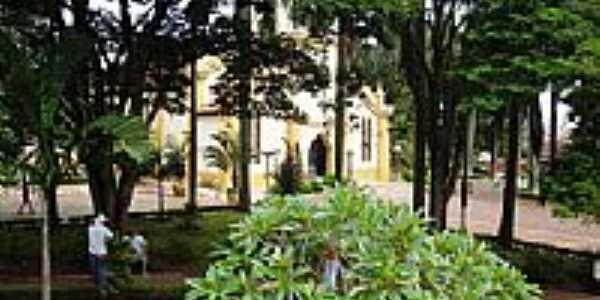Igreja Matriz de Nuporanga - SP