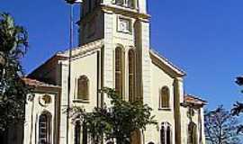 Ocauçu - Igreja de Santo Antônio em Ocauçu-SP-Foto:Fabio Vasconcelos