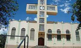 Ol�mpia - Ol�mpia-SP-Torre em forma de Cruz na Igreja de S�o Benedito-FotoUrias E. Takatohi