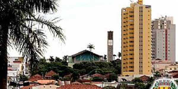 Ol�mpia-SP-Igreja de S�o Jo�o Batista no centro-Foto:www.olimpia.sp.