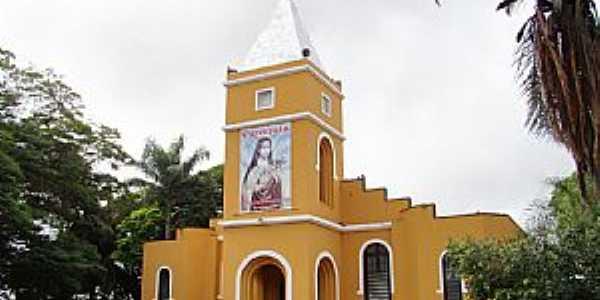 Orindiúva (SP) Matriz de Sta. Teresinha do Menino Jesus - por Vicente A. Queiroz