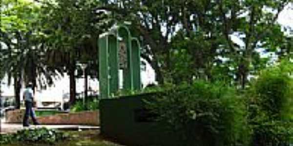 Praça Duque de Caxias em Osasco-SP-Foto:Andre Assumpção