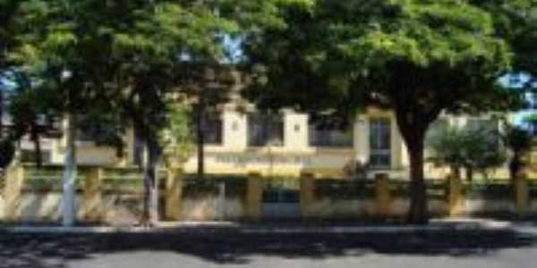 Prefeitura Municipal, Por Flávia Brito