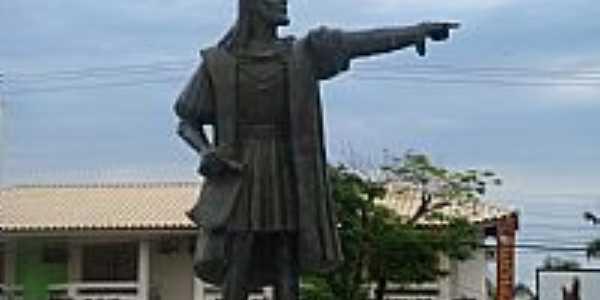Porto Seguro-BA-Estátua em homenagem à Cabral-Foto:LUIS MACEDO