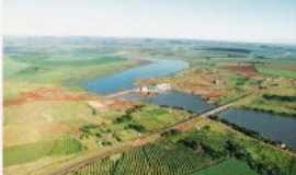 Palmital - Barragem Canoas II no rio Paranapanema na Cidade de Palmital, onde existia a balsa de Jos� Leopoldino., Por LUIZ ROBERTO DA SILVA
