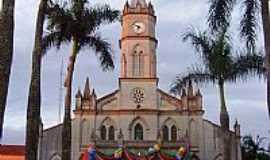 Palmital - Igreja Matriz de S�o Sebasti�o em Palmital -SP-Foto:Handrea Lima