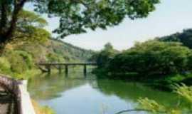 Paraibuna - Ponte da vigor e rio Paraiba, Por Fabiana