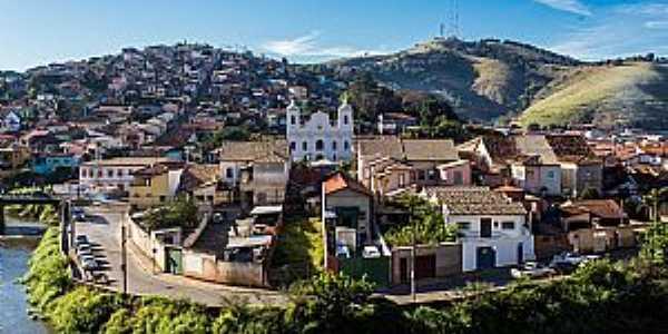 Paraibuna-SP-Rio Paraíba do Sul e a cidade-Foto:saopaulo.sp.gov.br