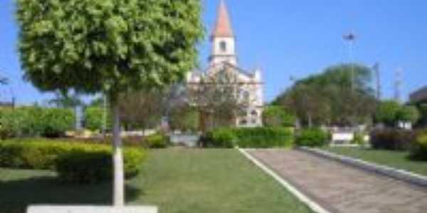 Praça em frente a igreja Matriz, Por Maria das Graças