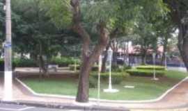 Paulínia - Praça na Av. Castelo Branco, Por Anauila Feijó  Amarante