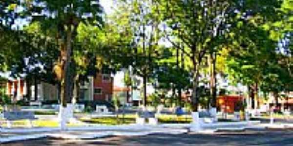 Praça central-Foto:Luciano Rizzieri