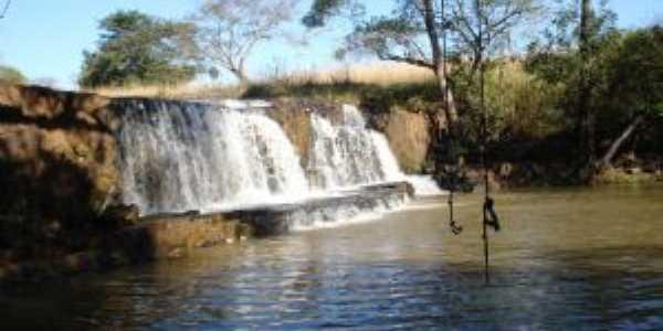 Cachoeira do cedro em Paulo de Faria - SP, Por Caio Russo