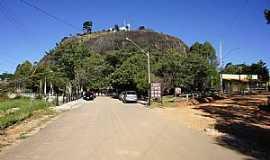 Pedra Bela - Pedra Bela-SP-Cruzeiro no Morro-Foto:Ernandes C Santos