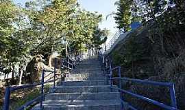 Pedra Bela - Pedra Bela-SP-Escadaria para o Cristo e Tirolesa-Foto:Ernandes C Santos