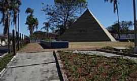 Pedregulho - Pirâmide, por Adenir Mateus Alves