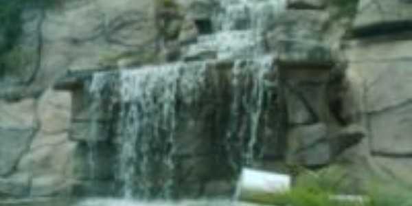 Cachoeira na entrada da cidade, Por Antonio C�cero da Silva(�guia)