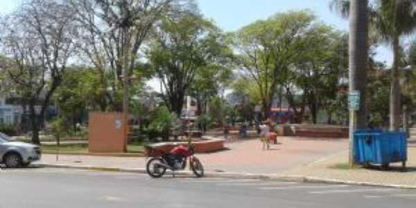 Praça da matriz, Por nelci
