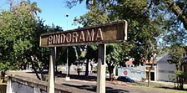 Pindorama-SP-Placa na Estação Ferroviária-Foto:Douglas Razaboni