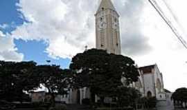 Pirajuí - Praça e Igreja de N.Sra.Aparecida em Pirajuí-Foto:Wilson Alcaras