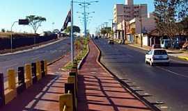 Pirassununga - Pirassununga-SP-Via de acesso à Zona Norte-duplicada e com ciclovia-Foto:Reginaldo Resende