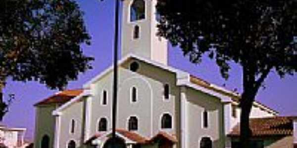 Igreja Matriz de Calmon Viana, Poá - SP -  por João Paulo  Chagas
