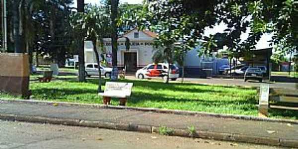 Pontal-SP-Delegacia na praça no centro-Foto:Jose Walter de Almeida