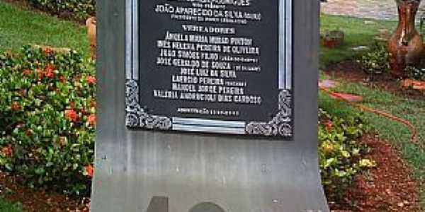 Pontal-SP-Placa comemorativa ao Centenário-Foto:Jose Walter de Almeida