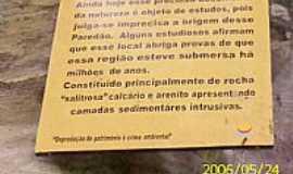 Porto Feliz - Porto Feliz-SP-Identificação do Paredão no caminho da Gruta-Foto:LuziACruzFrata