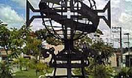Porto Feliz - Porto Feliz-SP-Monumento em homenagem aos 500 anos da cidade-Foto:wikipédia