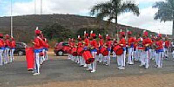 Prevenido-BA-Fanfarra no Desfile-Foto:Preve.Emc@mpo