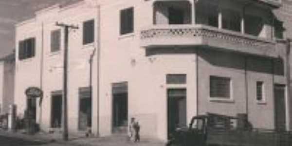 Antiga Agência dos Correios, Por João Cortez Prado