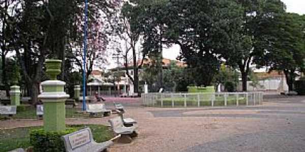 Promissão-SP-Praça Nove de Julho-Foto:leonardorobles