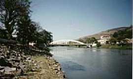 Queluz - Ponte sobre o Rio Paraíba do Sul-Foto:laercio Fabbri