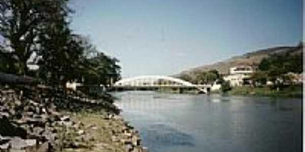Ponte sobre o Rio Paraíba do Sul-Foto:laercio Fabbri