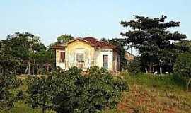 Quintana - Quintana-SP-Antiga casa de funcionários da Ferrovia-Foto:pt.db-city.com