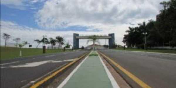 Portal da Cidade de Quintana, Por Eva Cristina