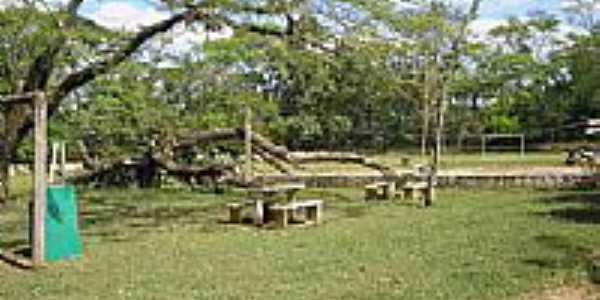 TARSILA DO AMARAL- quintal do casarão onde viveu, na cidade de RAFARD_SP por Rubens de Souza